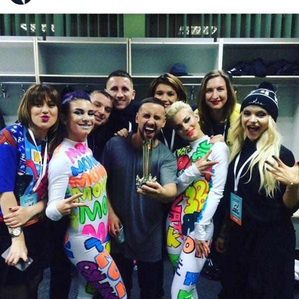 Специально для премии М1 Music Awards бренд ALEXANDER DETS создал костюмы для коллектива MONATIK.